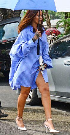 Rihanna Wears an Oversize Blue Shirtdress to Attend a Funeral in Barbados Estilo Rihanna, Mode Rihanna, Rihanna Street Style, Rihanna Riri, Look Fashion, Fashion Outfits, Womens Fashion, Fashion Trends, Looks Rihanna