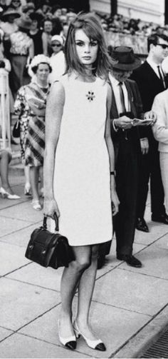 Jean Shrimpton An iconic moment in fashion history.