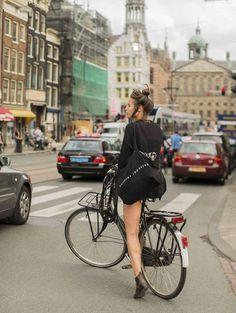 Ideas City Bike Style Amsterdam For 2019 Amsterdam Fashion, Amsterdam Street Style, Mode Amsterdam, Cycle Chic, Urban Cycling, Urban Bike, Bicycle Women, Bicycle Girl, Photo Velo