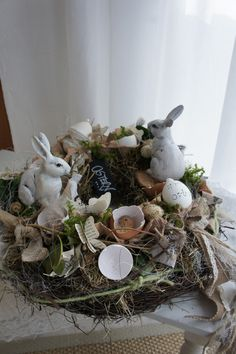 Easter Art, Easter Bunny, Easter Eggs, Ostern Wallpaper, Diy Osterschmuck, Diy Easter Decorations, Vintage Easter, Egg Hunt, Easter Wreaths