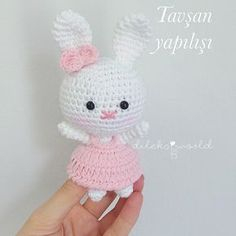 The rabbit i started last night is over the second and third way is night rabbit second started third Amigurumi Doll, Amigurumi Patterns, Doll Patterns, Crochet Patterns, Knitted Dolls, Crochet Dolls, Crochet Hats, Crochet Bear, Cute Crochet