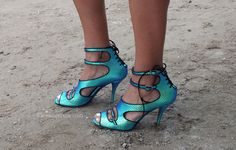 Pumps from Paris Fashion Week Shoes http://www.lenuagerose.com/2014/01/street-style-from-pfw-ss-2014-shoes/