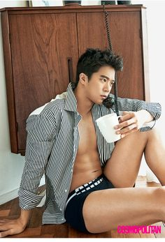 Ha Seok Jin had a relaxing pictorial in the October issue of Cosmopolitan.During the interview, the actor was asked how he prepared mentally for the drama 'D-Day. Hot Asian Men, Asian Love, Asian Guys, Asian Actors, Korean Actors, Korean Dramas, The Legendary Witch, Ha Suk Jin, South Corea