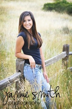 Senior Picture Country Ideas | Country senior picture ideas.