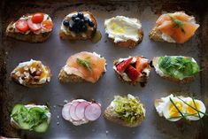 """crostini creations - like Erin and I do, lil tapas! :) or actually """"pinchos"""" (pinches). tapas are slightly bigger. Snacks Für Party, Appetizers For Party, Appetizer Recipes, Cheese Appetizers, Party Recipes, Appetizer Ideas, Popular Appetizers, Fruit Appetizers, Healthy Appetizers"""