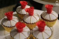 Decoração de Festa de Aniversário dourada e vermelha por Patricia Junqueira www.patriciajunqueira.com.br
