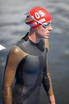 """Helen Jenkins Triathlete quote: """"Goals keep you motivated and they give you a direction. That way you're not just aimlessly training and doing too much of one thing and not enough of another"""""""