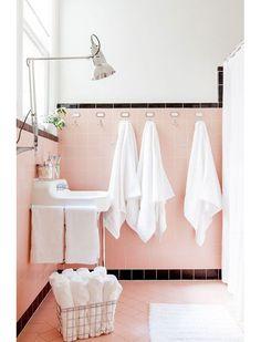 Une salle de bain rose #pink #bathroom