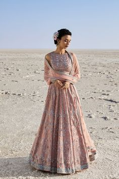have brought every single design of Anita Dongre lehenga for you to have a look. Anita Dongre Lehengas are known for their innovative new design Indian Bridal Fashion, Indian Wedding Outfits, Bridal Outfits, Indian Outfits, Bridal Dresses, Indian Lehenga, Bridal Lehenga Choli, Lehenga Wedding, Lehenga Saree