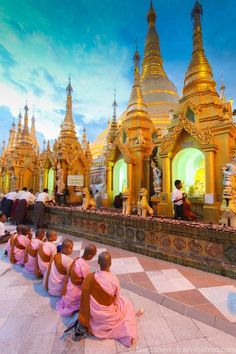 Read about the top sites to visit and photograph in Burma / Myanmar, from a perfect photo expedition with National Geographic.