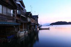 """そこは和風ベネチア!水に浮かぶ京都の不思議な町""""伊根の舟屋""""とは   RETRIP"""