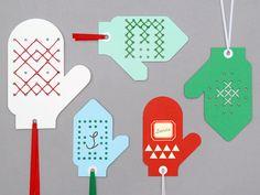 manualidades niños especial navidad manoplas de carulina cosidas por ellos se pueden colgar del arbol de navidad