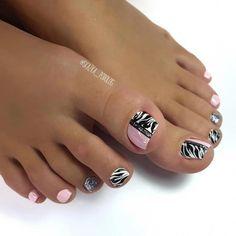 Toenail Art Designs, Pedicure Designs, Pedicure Nail Art, Toe Nail Designs, Nail Manicure, Nail Polish, Pretty Toe Nails, Cute Toe Nails, Super Cute Nails