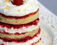 Cassata Cake! Mmmmm layers of fluffy cake, raspberry sauce and ricotta filling....heavenly
