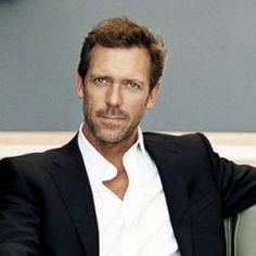 Hugh Laurie pirata Barbanera in Crossbones?