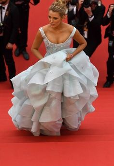 Solid proof that Blake Lively is IRL Cinderella.