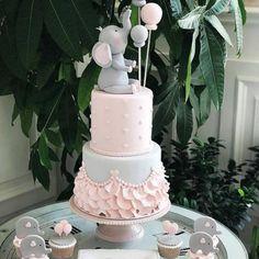 25 +> How cute for the elephant theme cake, cupcakes and biscuits! How cute for the elephant theme cake, cupcakes and biscuits! Baby Shower Cakes, Tortas Baby Shower Niña, Gateau Baby Shower, Elephant Baby Shower Cake, Baby Girl Shower Themes, Baby Shower Cake For Girls, Elephant Birthday Cakes, Elephant Cakes, Baby Birthday Cakes