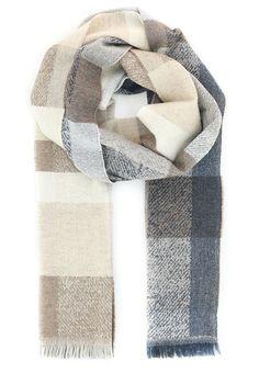 Интернет-магазин Elyts.ru предлагает купить бежевый шарф STRELLSON по цене 7100 рублей. Доставка по всей России. Звоните +7 (800) 200-1691. Артикул 30002658.