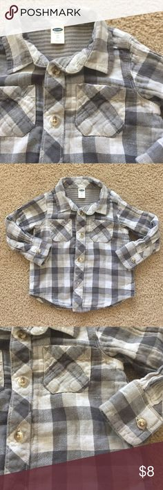 💥Small Biz Sat Sale💥 old navy flannel Super cute light-weight flannel toddler top!   Excellent condition. Old Navy Shirts & Tops Button Down Shirts