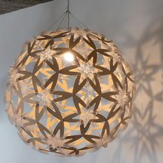 Made from hoop pine plywood and polycarbonate, Manuka Pendant Light is based from the white flower of the Manuka tree. #davidtrubridge #pendantlight  http://www.metropolitandecor.com/Manuka-Pendant-Light-David-Trubridge_p_1499.html