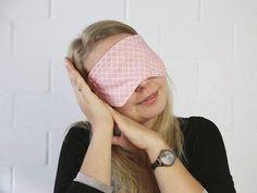 DIY-Anleitung: Schlafmaske nähen via DaWanda.com
