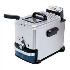 SEB - FR7013 _ Friteuse Pro Fry Oleoclean - Evite les résidus d'aliments carbonisés et donc les odeurs - Elle vous permettra de faire frire jusqu'à 1.2 kg de frites - Thermostat réglable de 150 à 190° C - Stockage de l'huile dans une cassette hermétique amovible, facile à stocker au réfrigérateur et à nettoyer - Cuve inox - 100 % compatible lave-vaisselle pour un nettoyage aisé - Coloris Inox brossé.