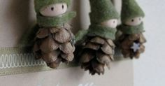 These little pine cone elves are just too adorable!