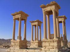 Recorrido a través de los muchos lugares históricos, muchos Patrimonio de la…