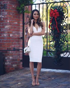 Always party ready in @Lulus  Linked to this dress and a few other perfect holiday dresses in today's blog post. Link in profile! #lovelulus #holidaystyle #winterwhite  #sponsored
