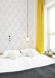 DOMINO:10 Reasons To Wallpaper The Space Behind Your Headboard