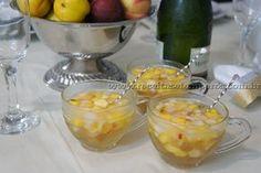 Receita de Clericot de espumante com frutas passo-a-passo. Acesse e confira todos os ingredientes e como preparar essa deliciosa receita!