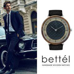 Das Zifferblatt ist aus Karbon mit einer schönen Krone aus amerikanischem Nussbaumholz. Elegant und stilvoll, sie wird Ihnen zum Geschäftsstil passen. Elegant und stilvoll, diese Uhr passt sich dem Geschäftsstil an. Bringen Sie ein Stück Natur mit ins Büro und erfreuen Sie sich an einer Uhr, die so einzigartig ist wie Sie selbst! Wooden Watch, Handmade Wooden, Watches, Elegant, Unique, Design, Wood Watch, Nature, Wrist Watches