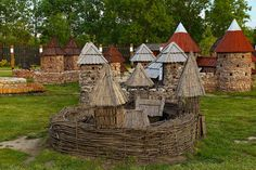 Várpark - Dinnyés Hungary, Cathedral, Cabin, House Styles, Building, Travel, Home Decor, Viajes, Decoration Home