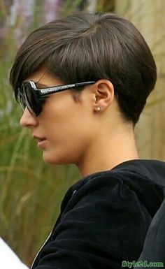 Emo girl hairstyles Short and Straight Hairstyles