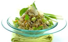 Delight your guests with this unusual salad made from rice and a delicious tasty pesto. Healthy Foods To Eat, Easy Healthy Recipes, Easy Dinner Recipes, Easy Meals, Healthy Eating, Pesto Salad, Wild Rice Salad, Good Food, Yummy Food