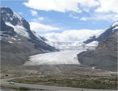 Glacier on the Icefield Pathway. Jasper