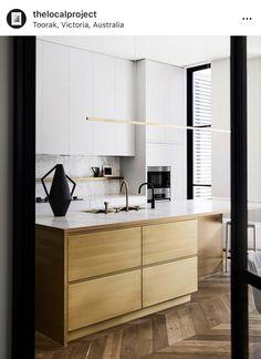 Home Interior, Interior Architecture, Interior Colors, Steel Frame Doors, Chevron, Home Designer, Antique Decor, Living Room Remodel, Luxury Kitchens