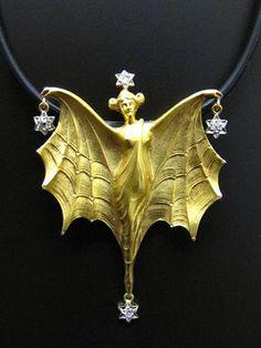 Lalique Bats | Jugendstil Anhänger/Brosche mit Diamanten, Frankreich um 1900, 18 ...