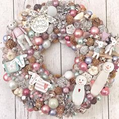 Christmas Advent Wreath, Christmas Wood Crafts, Christmas Decorations For The Home, Xmas Wreaths, Pink Christmas, Winter Christmas, Merry Christmas, Festival Decorations, Diy Wreath