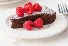 Dark Chocolate Mocha Cake with Raspberries | recipe from Kraft Canada