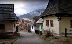 Slovensko - Vlkolinec Heart Of Europe, Traditional House, Czech Republic, Homeland, Hungary, European Countries, Mansions, Landscape, Country