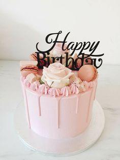 60 Ideas Birthday Cupcakes For Women Happy Birthday Torte, Happy Birthday Cakes For Women, 22nd Birthday Cakes, Birthday Greetings For Women, Birthday Drip Cake, Birtday Cake, Beautiful Birthday Cakes, Birthday Ideas, Birthday Quotes