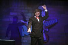 Marco Luque anima plateia em noite de stand up