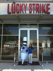 Let's start the week off right by something that's comfortable and classy: bowling at Lucky Strike Lanes Fort Worth! After a couple of games, you can find us hanging out on their awesome patio!  http://www.facebook.com/LuckyStrikeLanesFtWorth
