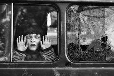 WWW.PHOTOGALLERIA.IT - francesco cito bimba di bosnia