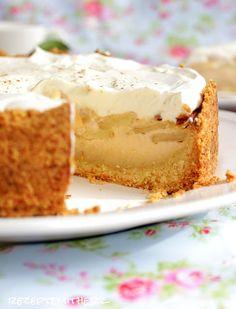 Es gibt Kuchen :))))))   Apfelkuchen ist ein altbewährter Klassiker und immer gerne gegessen.   Ein Creme mit leichter Zimtnote krönt die...