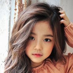 Hwang Sieun (Hwang Si Eun) - Hwang Sieun (Hwang Si Eun) You are in the right place about kids room Here we offer you the most be - Cute Asian Babies, Korean Babies, Asian Kids, Cute Babies, Half Asian Babies, Cute Little Baby, Cute Baby Girl, Cute Girls, Little Girl Models