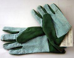 Protege tus manos, usa guantes con tus plantas