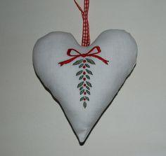 Scandanavian Christmas embroidery Christmas Hearts, Felt Christmas Ornaments, Merry Little Christmas, Christmas Time, Danish Christmas, Scandinavian Christmas, Scandinavian Style, Christmas Embroidery, Hand Embroidery