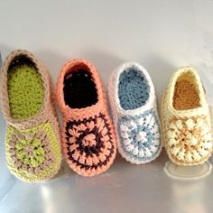Buyable Instant Download Crochet Pattern for these cute Toddler Sunburst Loafers by Genevive ($ 4,95 USD)
